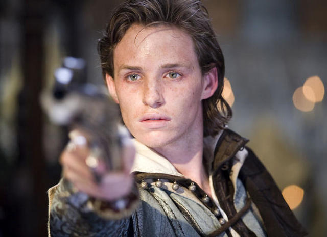 Eddie Redmayne vai Anthony Babington trong bộ phim Elizabeth: The Golden Age.