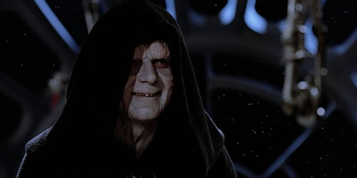 Palpatine trở lại trong The Rise of Skywalker.