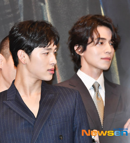 Lee Dong Wook - Im Siwan (ZE:A) đẹp như họa tại họp báo 'Hell Is Other People' 0