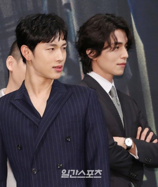 Lee Dong Wook - Im Siwan (ZE:A) đẹp như họa tại họp báo 'Hell Is Other People' 1