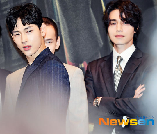 Lee Dong Wook - Im Siwan (ZE:A) đẹp như họa tại họp báo 'Hell Is Other People' 3