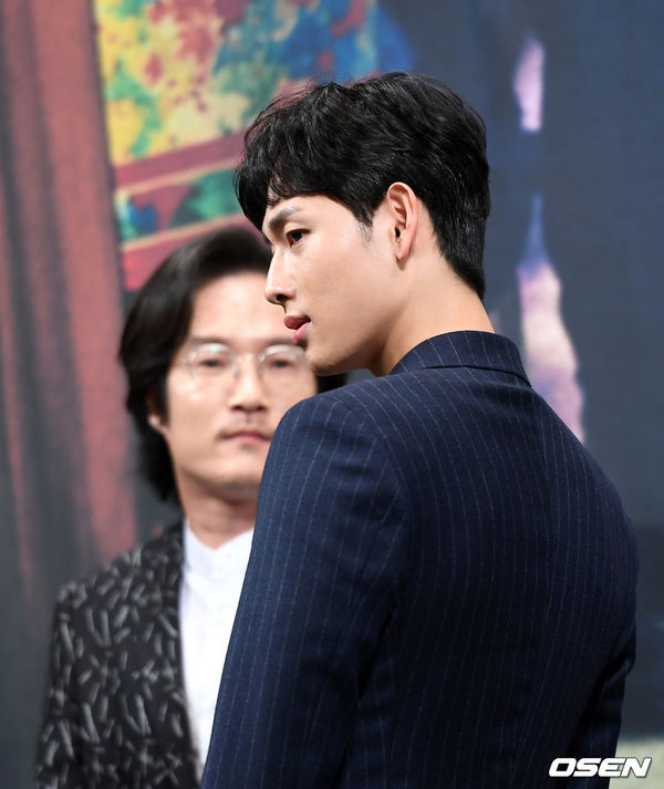 Lee Dong Wook - Im Siwan (ZE:A) đẹp như họa tại họp báo 'Hell Is Other People' 6