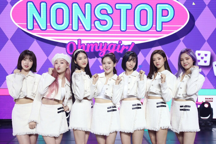 Oh My Girl với concept Nonstop.