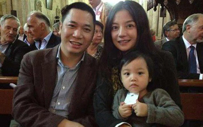 Zhao Wei and home happy.